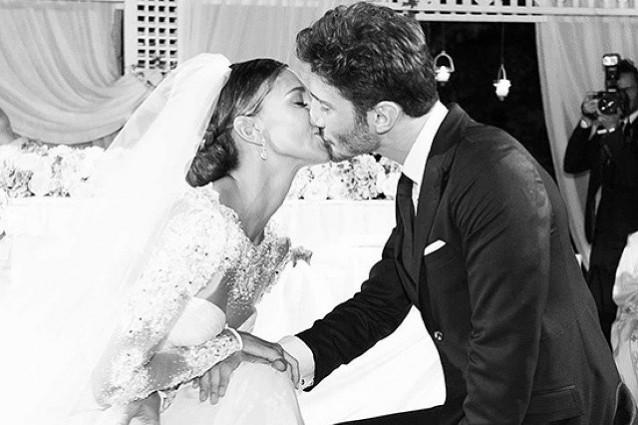 Auguri Matrimonio In Napoletano : Il primo anniversario di stefano e belén hai dato senso