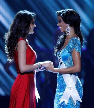 Jimena Navarrete e Yendi Phillipps