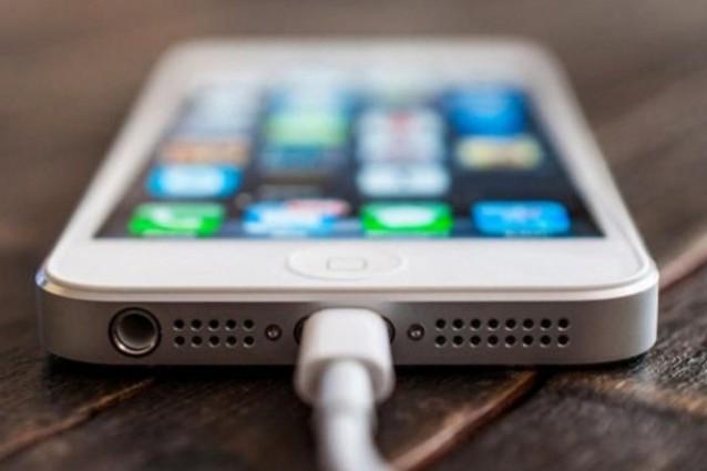 Ricaricare l'iPhone con il caricabatterie dell'iPad? Si può, ecco le differenze!