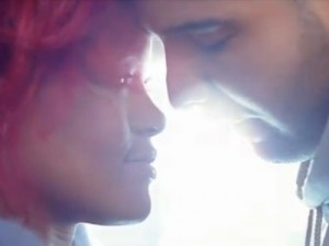 Video What's My Name di Rihanna featuring Drake.