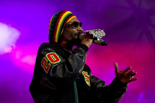 Snoop Dogg riceve la chiamata e diventa Snoop Lion.