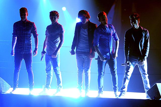 Il One Direction Tour 2013 arriva in Italia con due straordinarie date: i biglietti per il concerto sono già in vendita, il doppio appuntamento è per il 18 maggio 2013, all'Arena di Verona, e il 20 maggio 2013 al Mediolanum Forum di Milano.