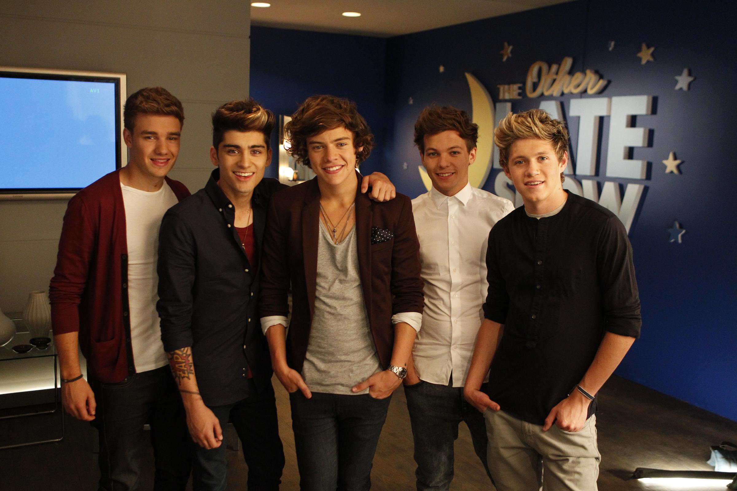 Фотография One Direction.  Добавь.  Обсуждения.  Альбом.  One Direction вместе 3. 1000.