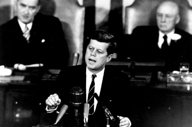 """""""Ci vuole un nuovo Kennedy per una nuova era spaziale""""."""