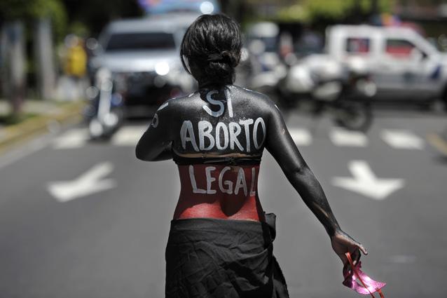 Vietato abortire.
