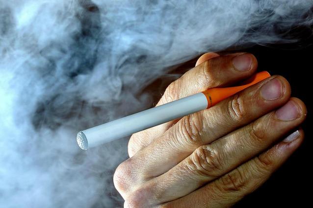 Come adattarsi per smettere di fumare senza targhe