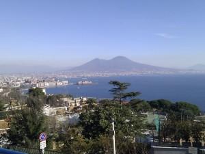 A Napoli un vulcano che può distruggere l'Europa, ma non è il Vesuvio: l'allarme del Daily Mail ignorato dall'Italia.