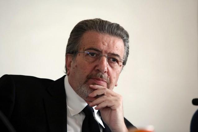 La gdf trova 11mila euro in contanti a casa di penati ma lui soldi miei - Soldi contanti a casa ...