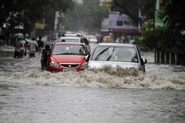 Alluvione a La Spezia: quattro morti, crolli e dispersi per le forti piogge.