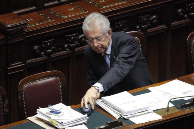 Mario monti illustra la sua manovra alla camera diretta tv for Diretta tv camera deputati