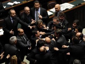 Conoscete la barzelletta del taglio di stipendio ai for I parlamentari italiani
