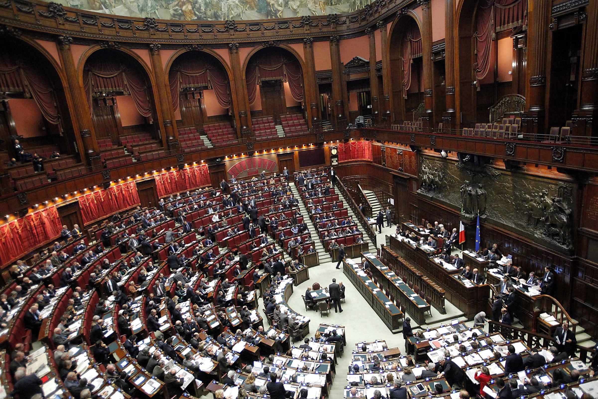 Ecco i politici italiani che sono da pi tempo in for Elenco politici italiani