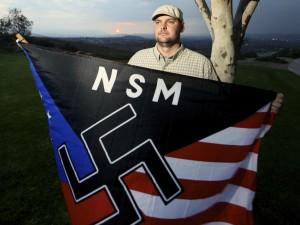 Da bambino uccise il padre nazista, ora è sotto processo. È un killer?