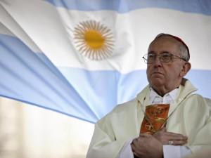 Le ombre sul passato di Francesco I: il Papa che ha messo d'accordo ratzingeriani e wojtyliani.