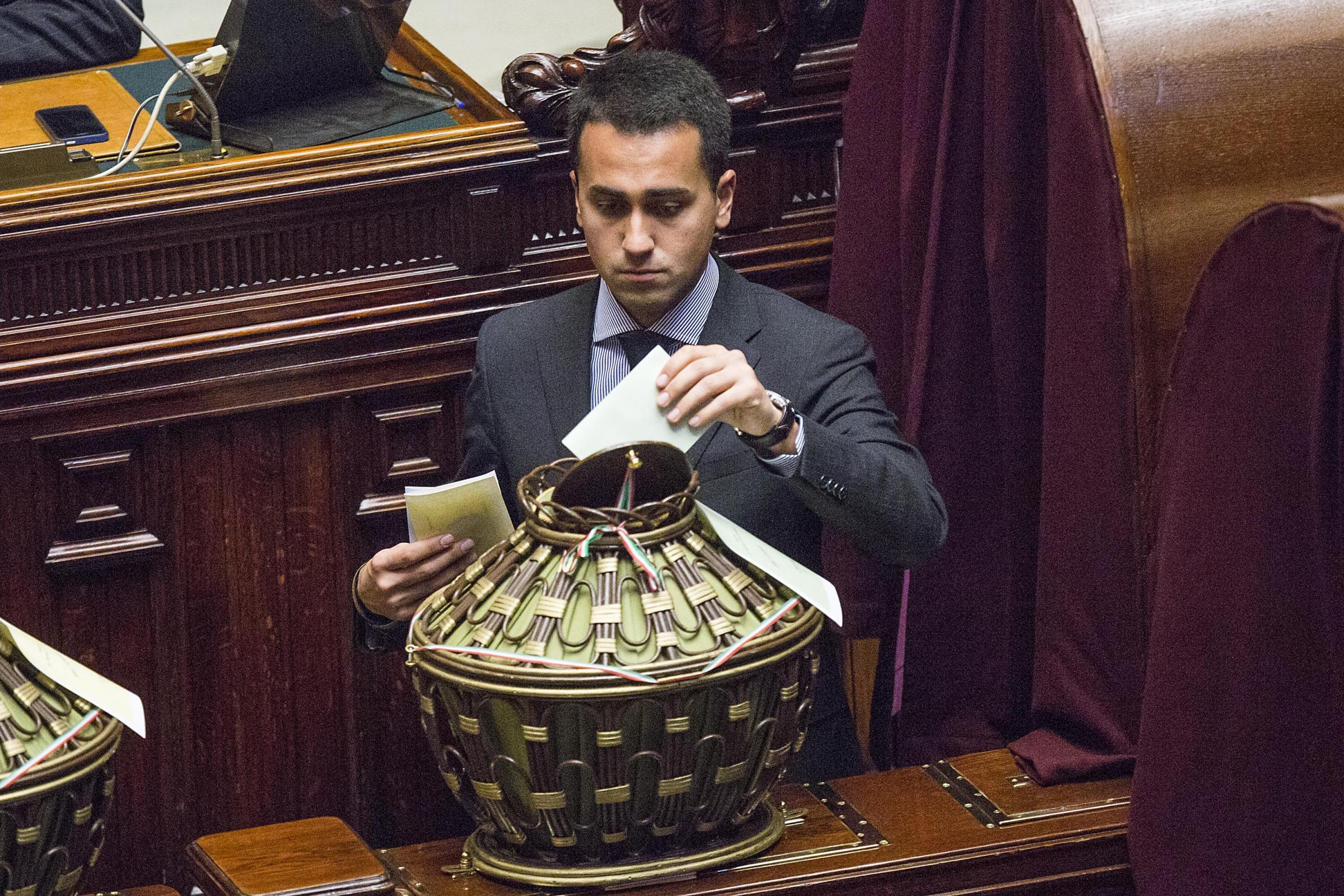 I parlamentari 5 stelle e la rinuncia dello stipendio for Parlamentari 5 stelle nomi