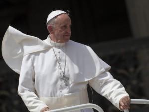 """Papa Francesco: """"Anche gli atei possono fare del bene""""."""
