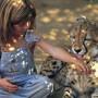 La vera Mowgli, una bambina che ha vissuto fino a 10 anni nella foresta