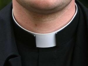 """Preti arrestati per abusi su minori: """"La Chiesa sa tutto, non ha fatto nulla"""""""