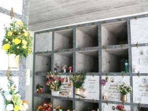 Padova: doppio raid nei cimiteri, razziate centinaia di tombe.