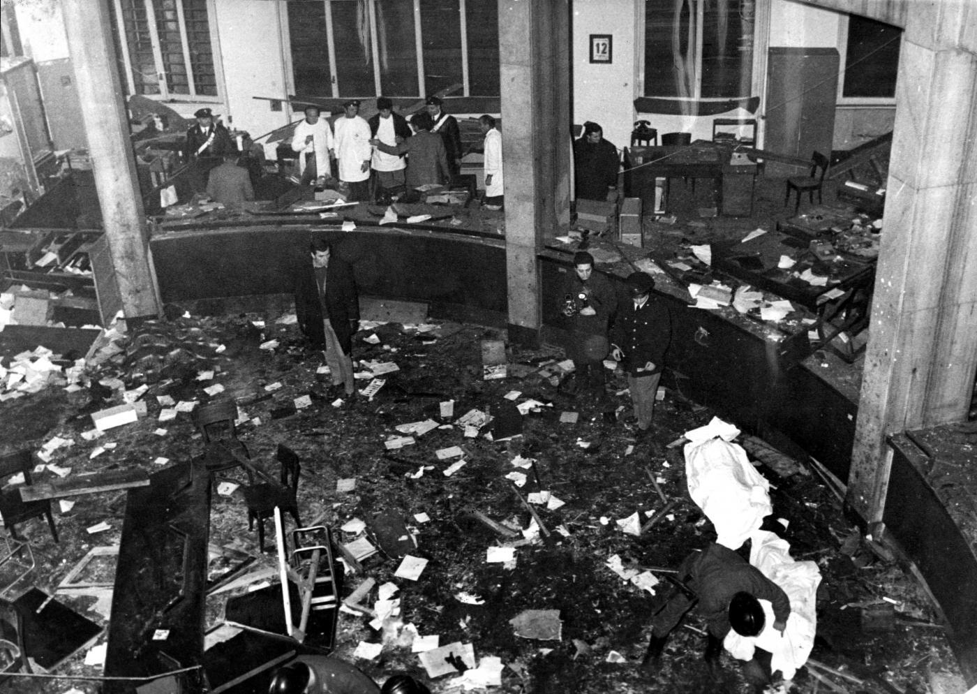 Strage di piazza fontana archiviata l ultima inchiesta - Pinelli una finestra sulla strage ...