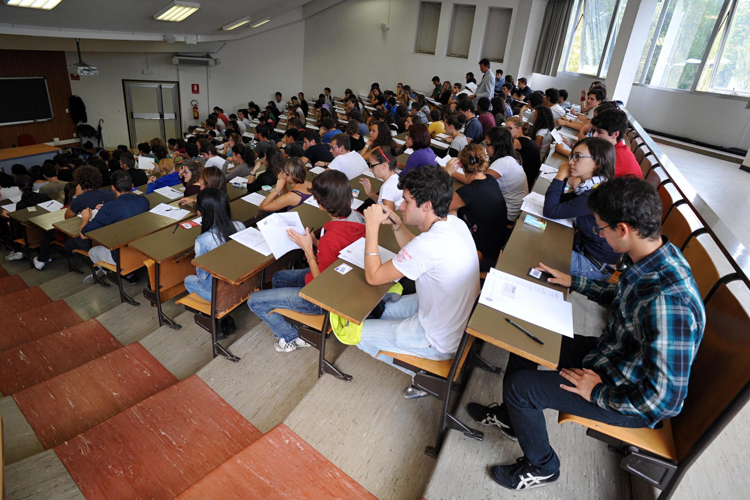 Test universitari 2013 al via per 115mila studenti si for Test ammissione politecnico milano