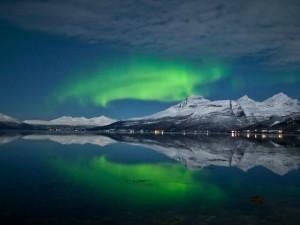 Le magiche sfumature dell 39 aurora boreale autori fanpage for Aurora boreale sfondo