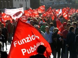 I dipendenti pubblici e il blocco dei contratti.