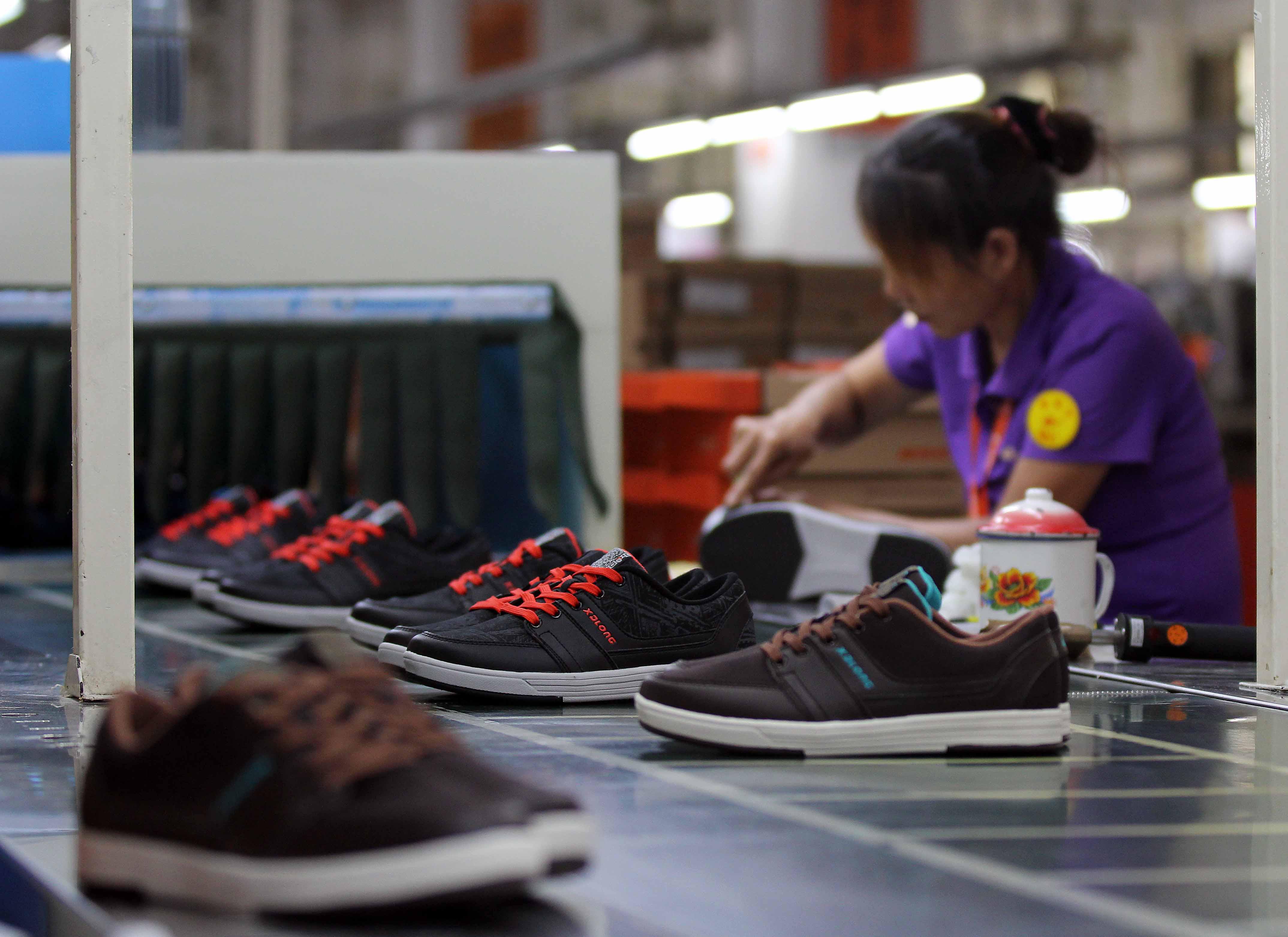 Sito Yb7gvf6y Scarpe Nike Cinesi Web Prezzi VqzGMpLUS