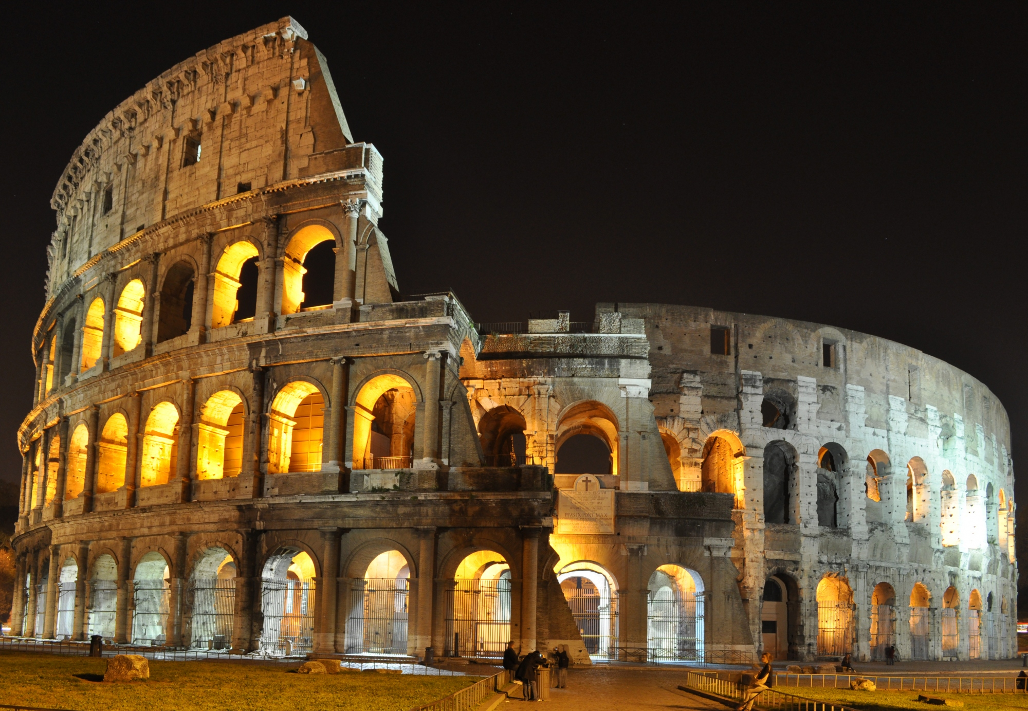 colosseo roma notte Quotes