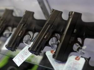 Poliziotto spara a un 12enne armato, ma era una pistola giocattolo