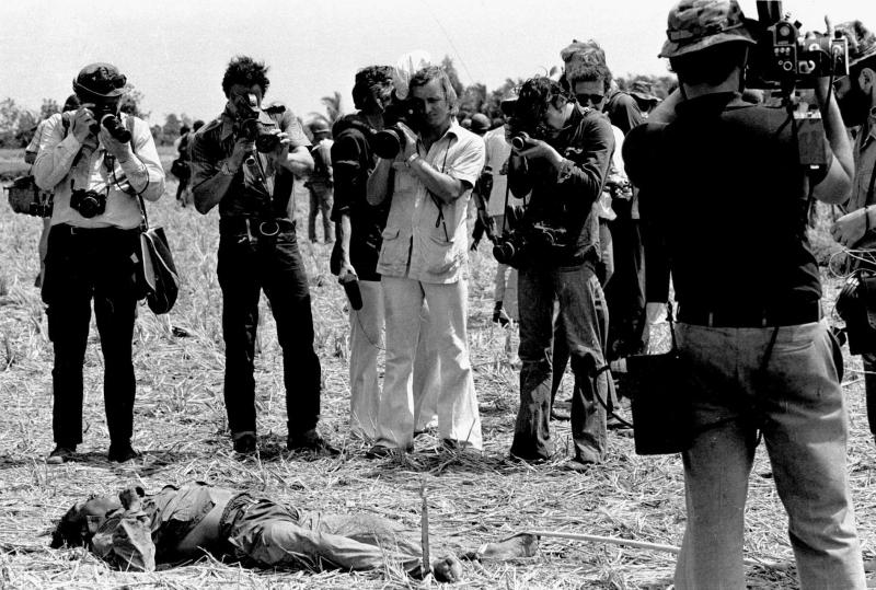 fotografi di guerra in Vietnam