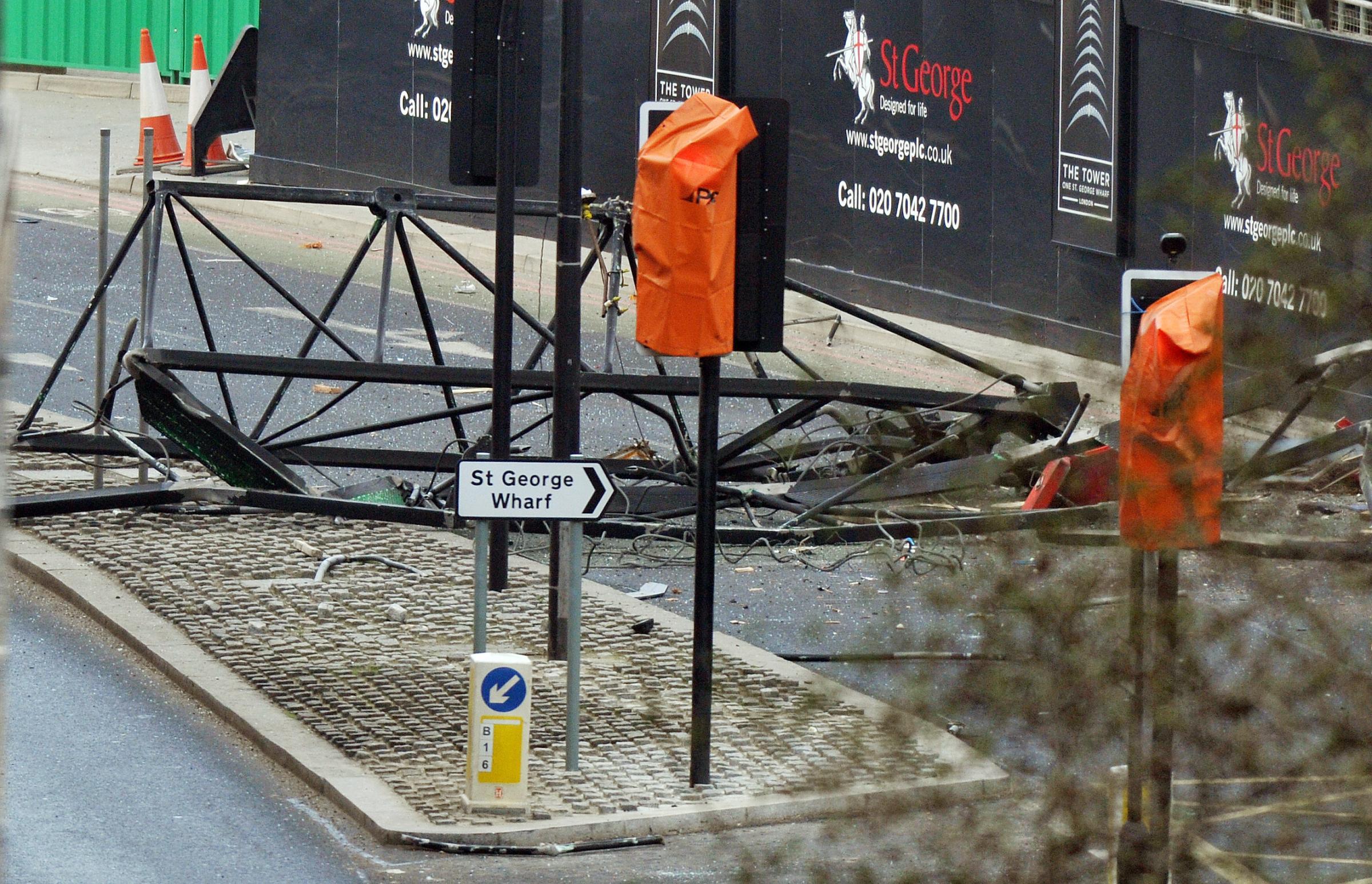 Elicottero cade nel centro di londra diretta fanpage for Tassa di soggiorno londra
