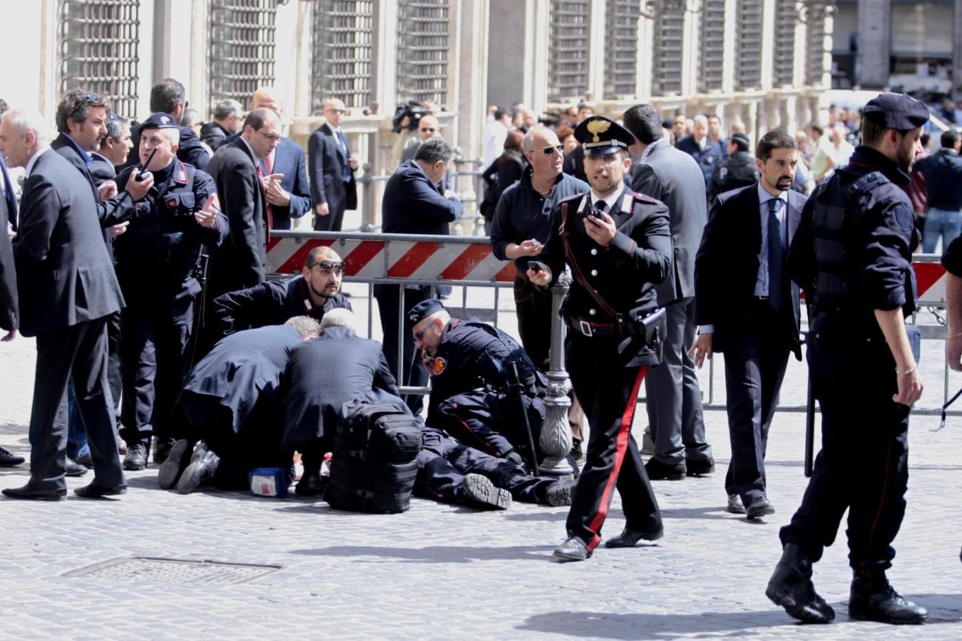 Sparatoria a Montecitorio: palermitano il più grave dei carabinieri feriti$
