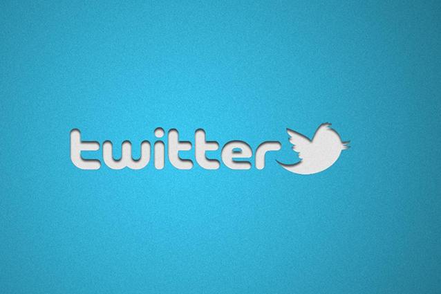 Twitter permette ora la programmazione dei messaggi, ma solo a chi paga.