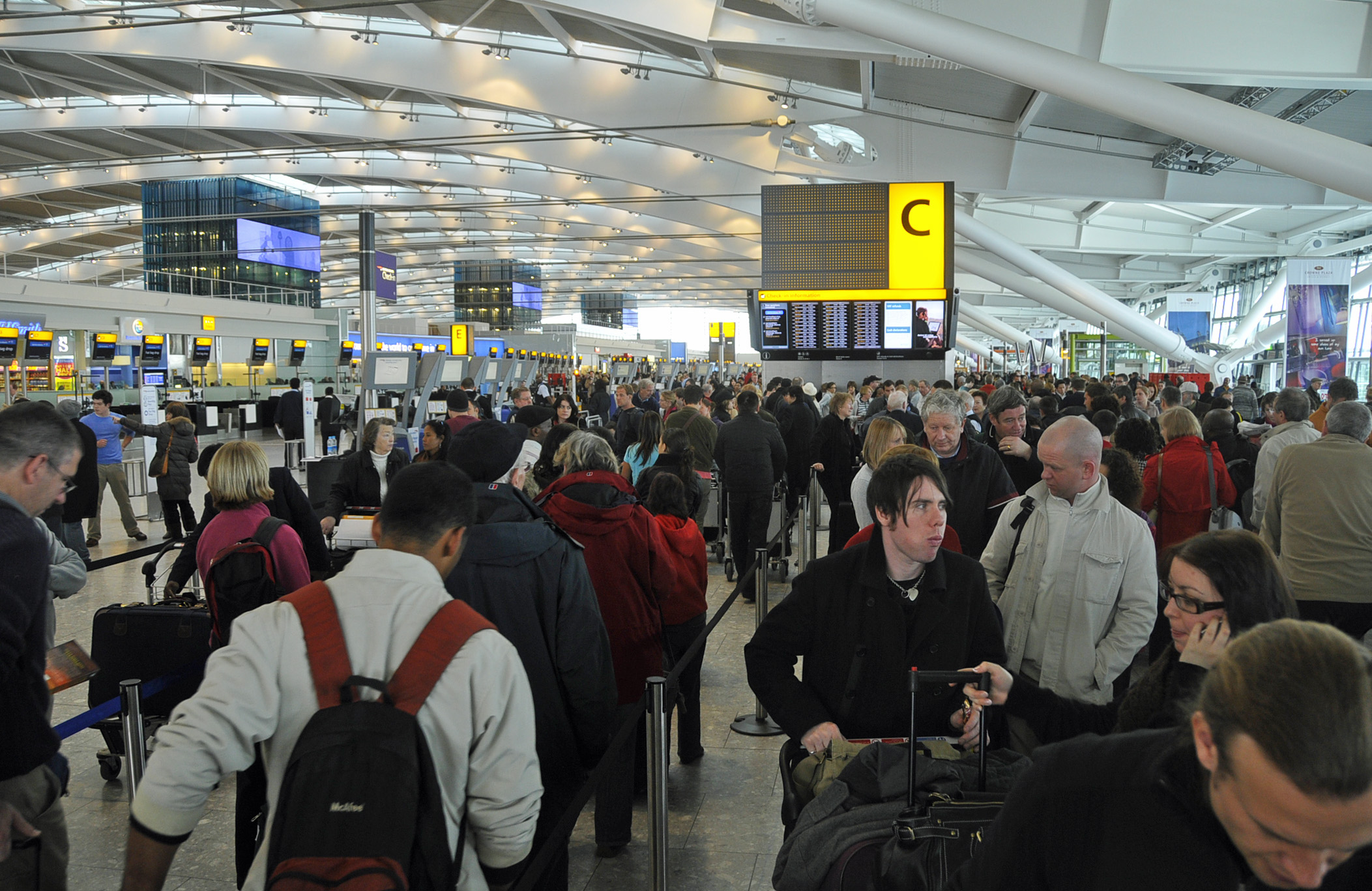 Aeroporto Heathrow Londra : Heathrow maltempo e neve sull aeroporto di londra