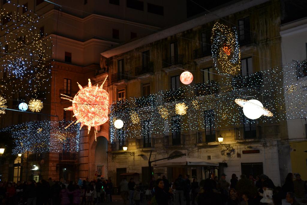 Illuminazione Natale Salerno : Luci d artista salerno si illumina per ...