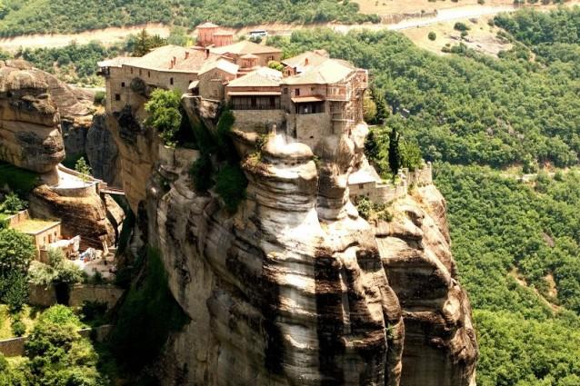 I monasteri più belli e inaccessibili del mondo.