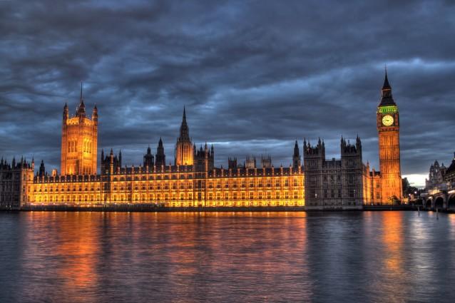 Nel quartiere di westminster il parlamento e l abbazia il for Sede del parlamento