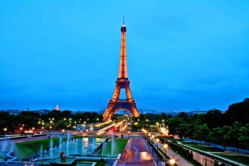 Torre eiffel a parigi travel fanpage for Parigi travel tour