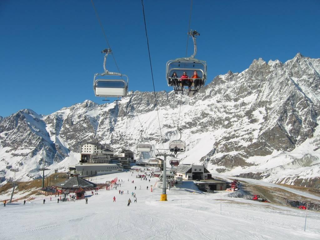 Vacanze in montagna in valle d 39 aosta for Vacanze a novembre in italia