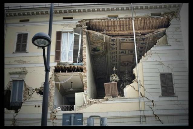 L'informazione in tv sul terremoto in Emilia.