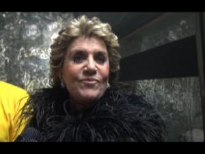 Franca Leosini proclamata nuova icona gay alla serata Muccassassina (VIDEO)