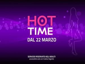 """Il 22 marzo parte """"Hot Time"""", il primo network per adulti di proprietà Mediaset. Nove euro al giorno per assicurarsi la visione di uno dei tre canali di porno generalista. Ma l'azienda non lo inserisce nelle offerte Premium."""