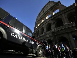 Roma, controlli di sicurezza nei punti sensibili