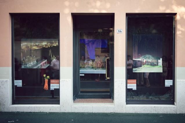 Opere d arte nelle vetrine dei negozi ecco il museo a for Arte arredo san martino di lupari