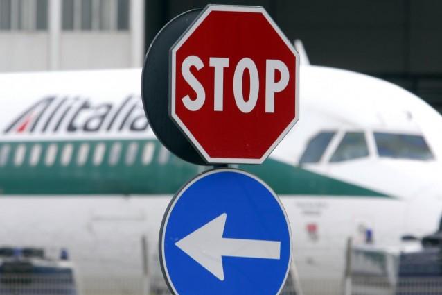Alitalia, Governo pronto a mediazione su contratto