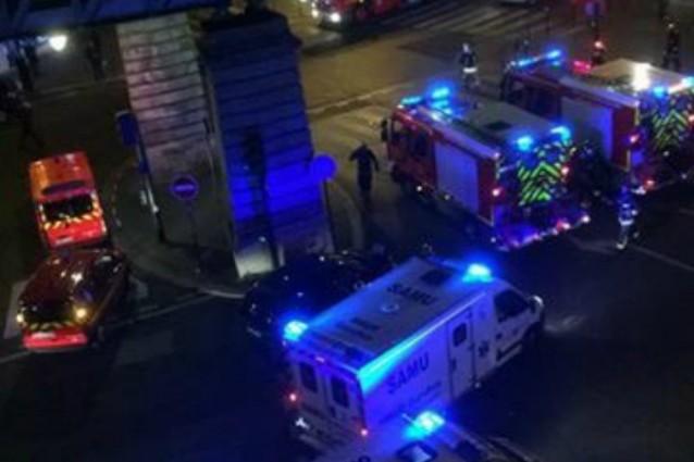 """Evacuata l'area della Torre Eiffel. Polizia: """"Si è trattato di un falso allarme"""""""