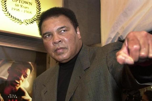 Boxe, Muhammad Ali ricoverato: crisi respiratoria