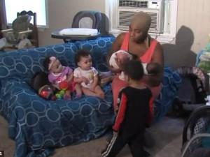 usa super mamma partorisce tre coppie di gemelli in due anni. Black Bedroom Furniture Sets. Home Design Ideas