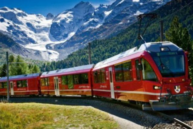 Svizzera, sale su un treno e accoltella i passeggeri